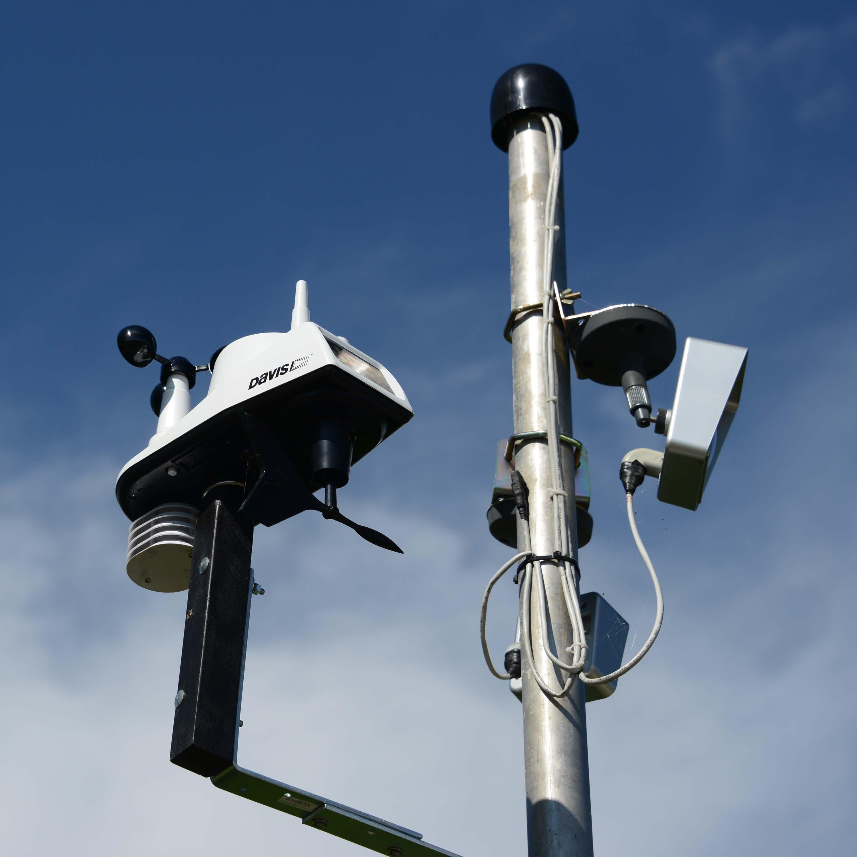 Davis Wetterstation mit zwei Webcams